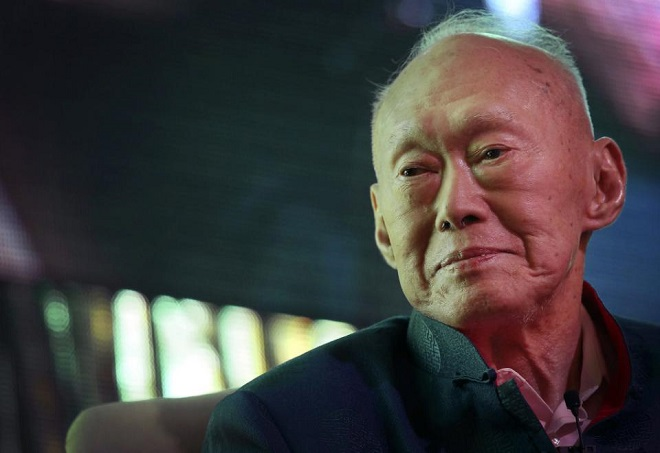 In this March 20, 2013, file photo, Singapore's first Prime Minister Lee Kuan Yew attends the Standard Chartered Singapore Forum in Singapore. Singapore's first and longest-serving prime minister Lee Kuan Yew died Monday, the prime minister's office said. He was 91. (AP Photo/Wong Maye-E, File)